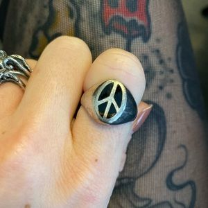 Small Peace sign sterling silver ring size 6